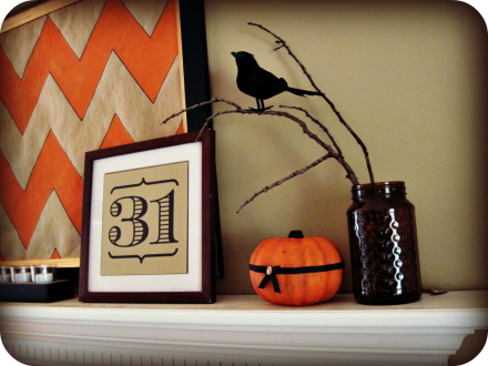 chevron Halloween mantle 1